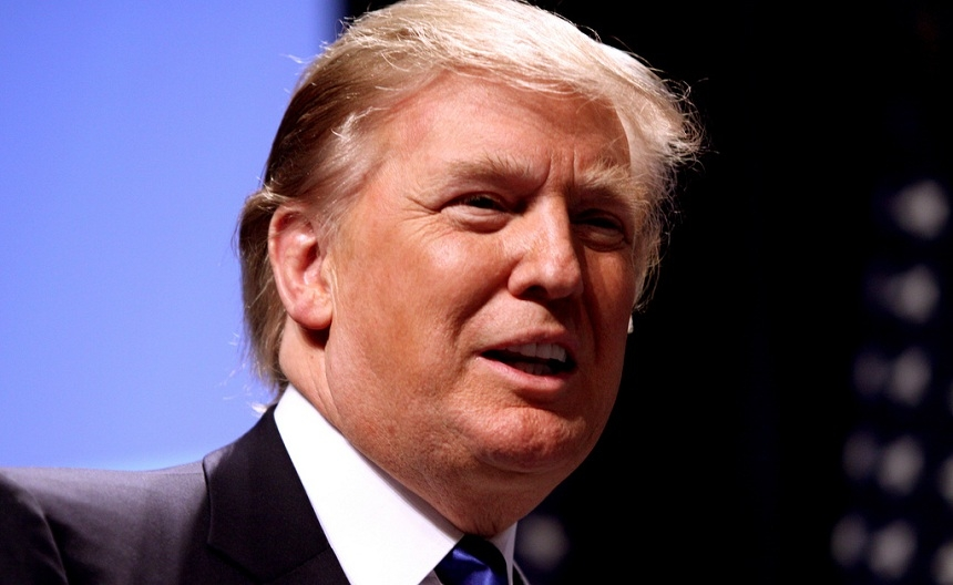 CNN бездоказательно обвинил команду Трампа в «связях с РФ» по компромату на Клинтон