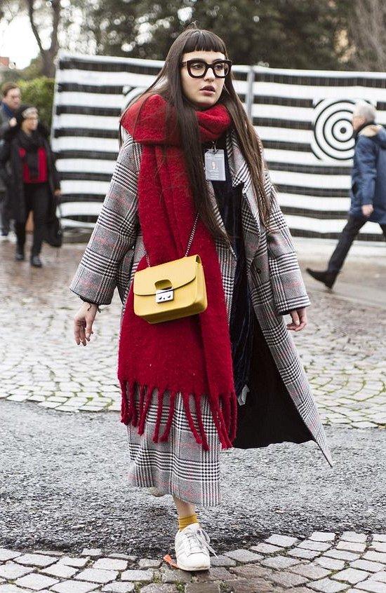 35 идей, как носить шарф в этом сезоне фото №8