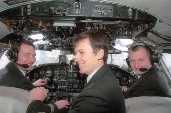 Попытки авиакомпаний помешать пилотам работать за рубежом назвали незаконными