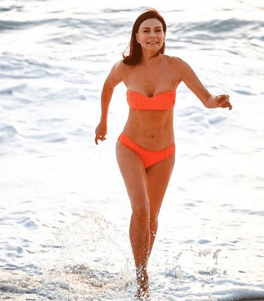 70-летняя австралийка выглядит в два раза моложе. Вот в чем ее секрет