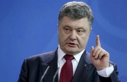 """Порошенко утверждает, что Украине не нужен """"флиртующий"""" с Путиным лидер"""