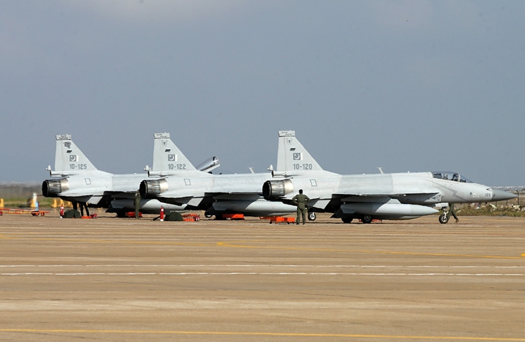 Подтверждение закупки Мьянмой истребителей FC-1 (JF-17)