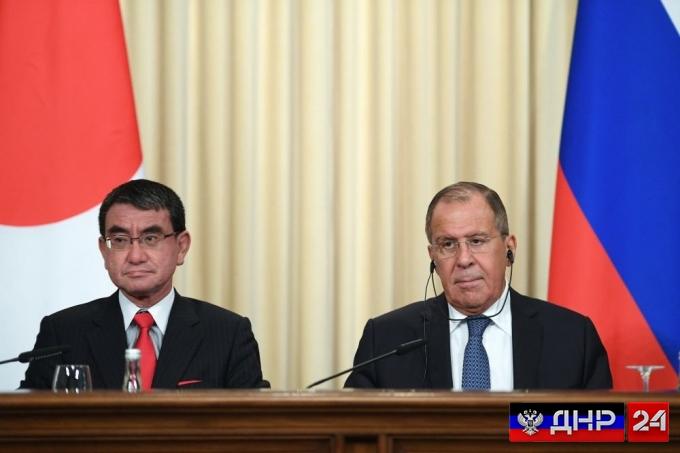 Лавров: Россия и Япония начинают переговоры по мирному договору