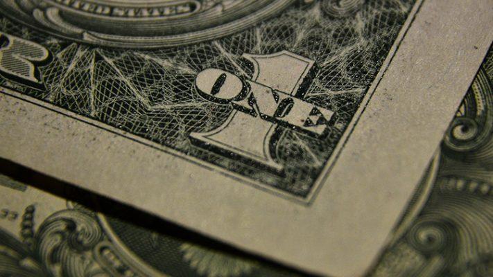 """Удар по доллару: """"золотой рубль"""" России сокрушает экономику США"""
