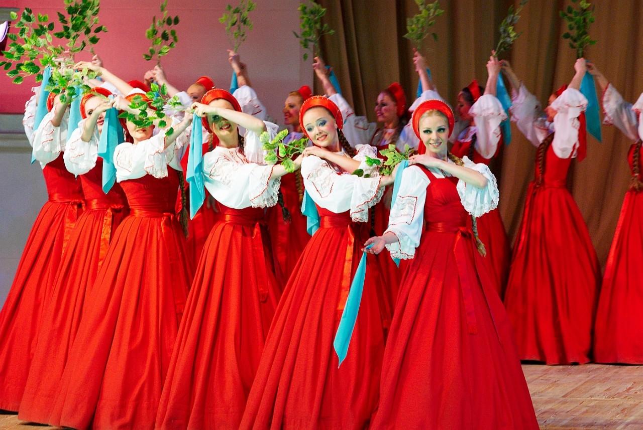 """Что думают иностранцы о русском танце """"Березка""""?"""
