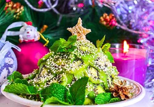 """Фруктовый салат """"Новогодняя елка"""""""