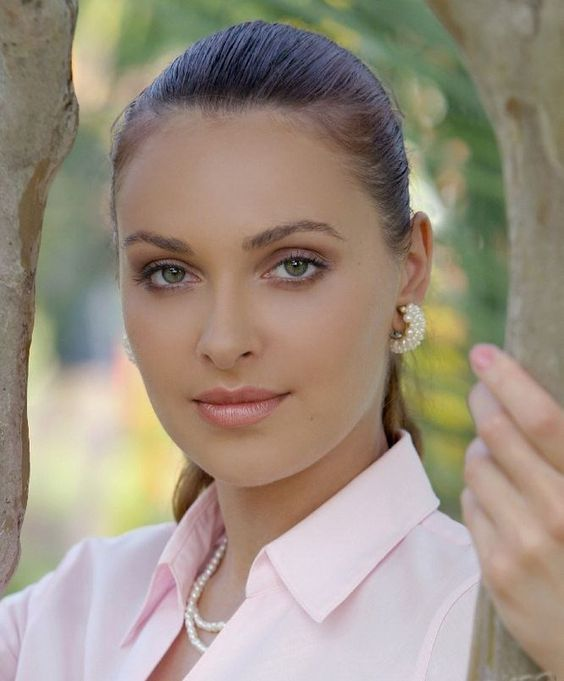 """Звезда сериала """"Солдаты"""" Ольга Фадеева во всей своей красе."""