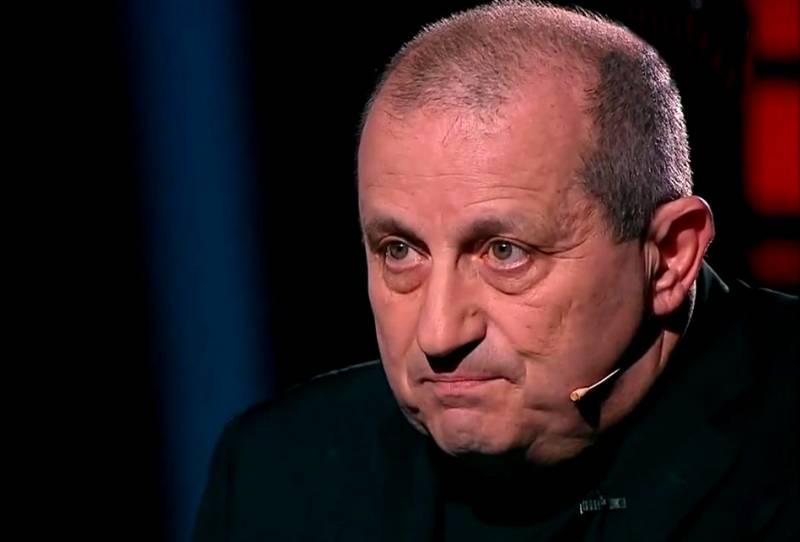 Яков Кедми в недоумении: Почему Россия не разбомбила колонны боевиков?