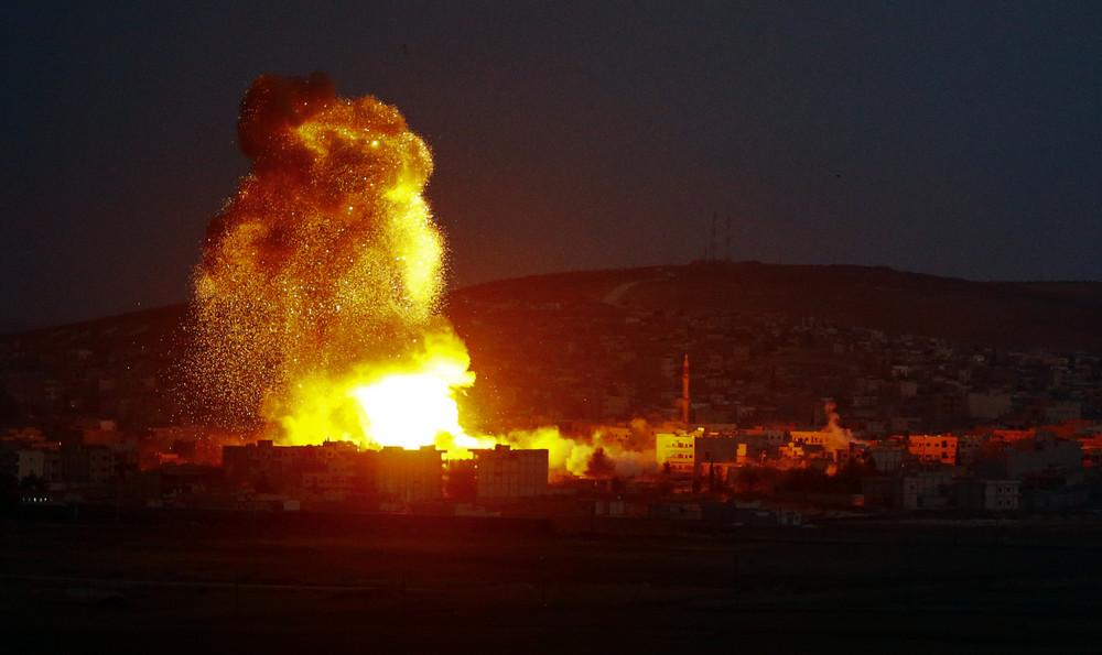 МОЛНИЯ: Мощным взрывом в Идл…