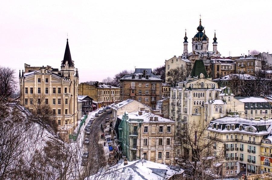 Киев - вниз по Андреевскому спуску