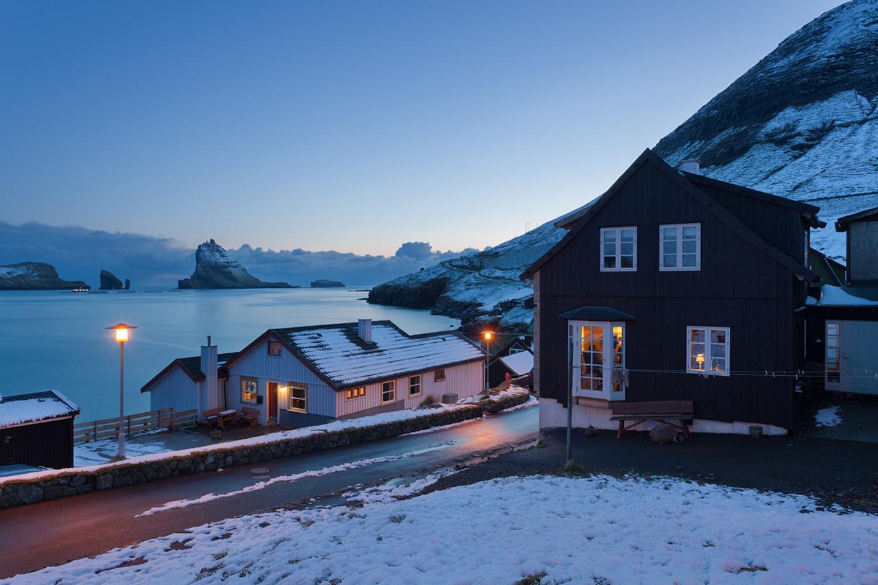 Фото достопримечательностей Стран Скандинавии: Фарерские острова прекрасны в любое время года. А зимой тут к тому можно увидеть северное сияние