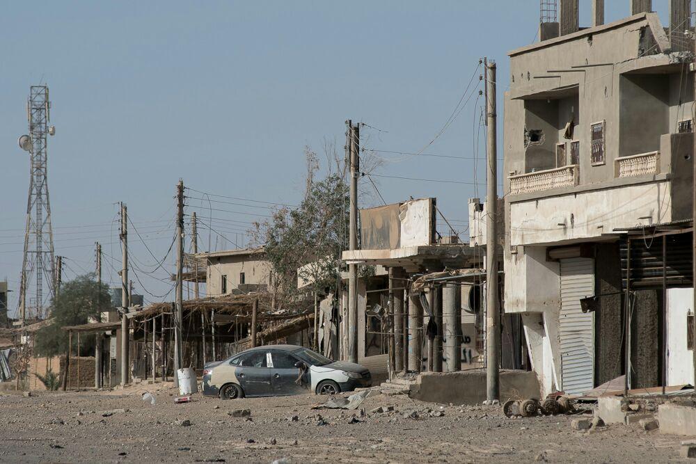 Террористы ИГ взорвали автомобиль в сирийской провинции Дейр-эз-Зор, есть погибшие