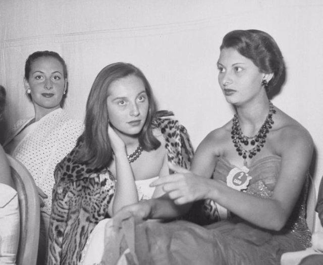 """15-летняя Софи Лорен на конкурсе красоты """"Мисс Италия 1950"""""""