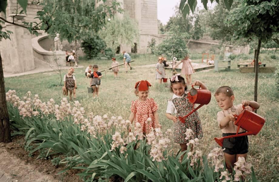 Современным детям и не снилось: 7 вещей, которые умели делать советские школьники