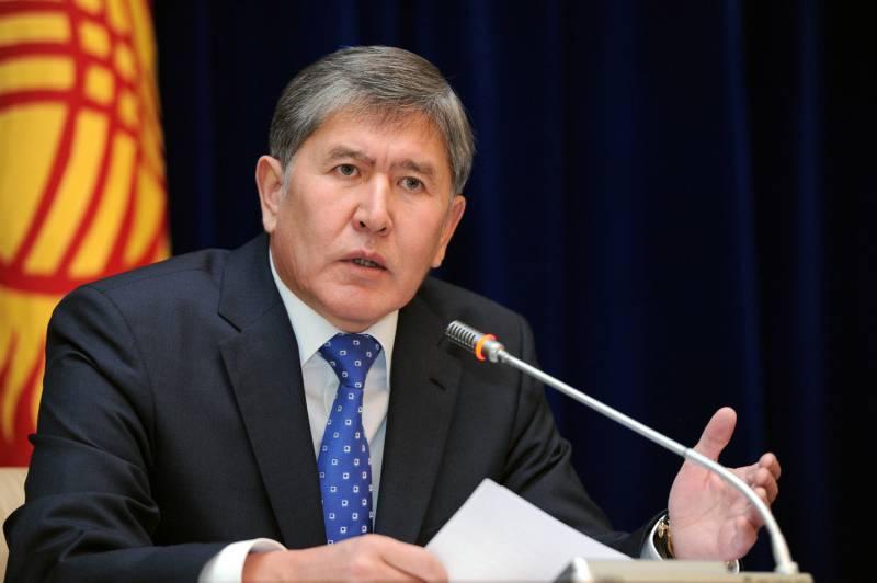 Президент Киргизии: стране необходимо самой зарабатывать на военную технику и вооружение