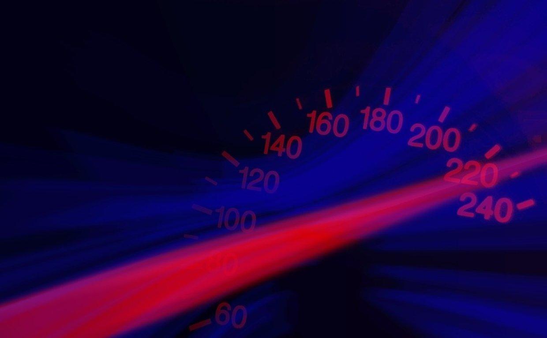 Депутаты предлагают увеличить на трассах разрешенную скорость