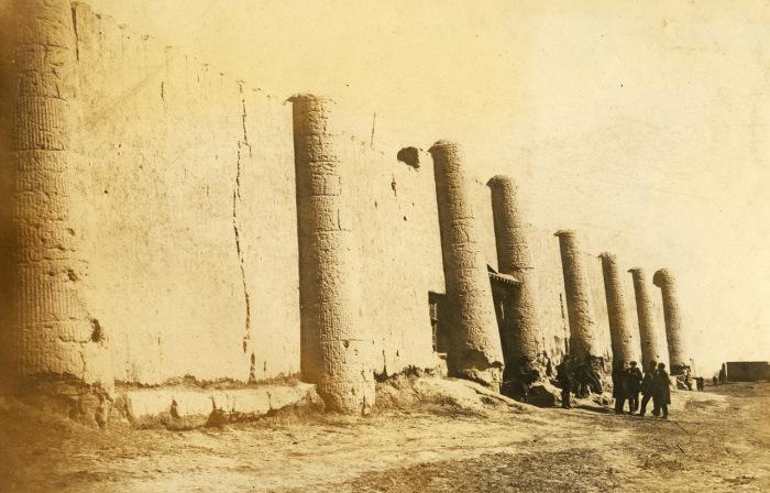 Вход в старинную крепость в древнем регионе Хорезмы.
