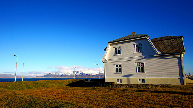 https://needguide.ru/Europe/Iceland/Reykjavik/Hofdi/img_1.jpg
