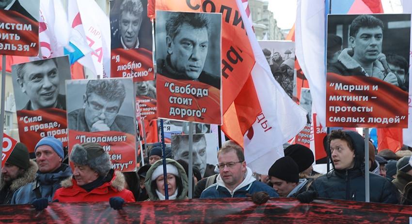 Марш Немцова пройдет в обеих…