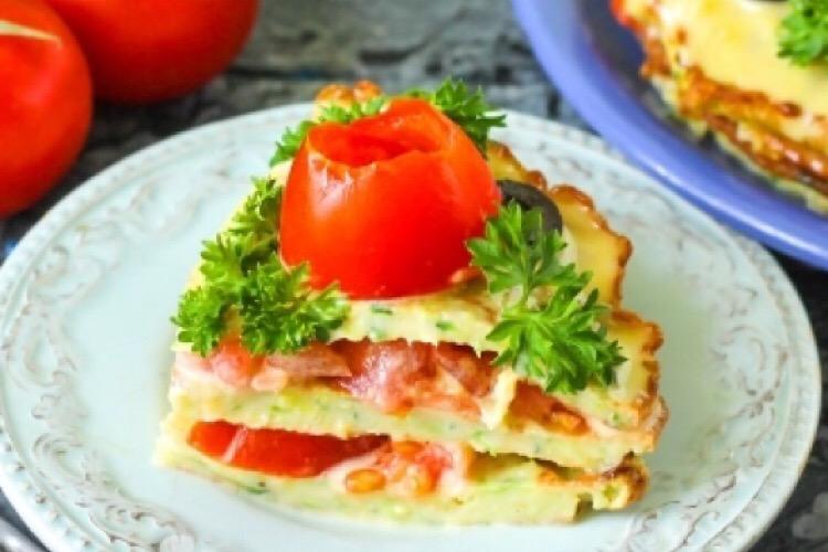 Отменный закусочный торт из кабачков и помидоров