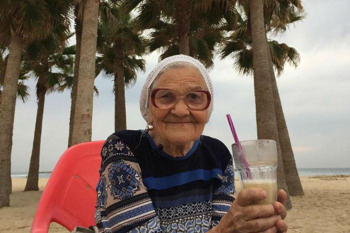 Бабушка Лена из Красноярска.