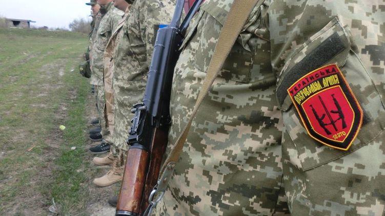 Ряды карателей на Донбассе пополнили десятками нацистов