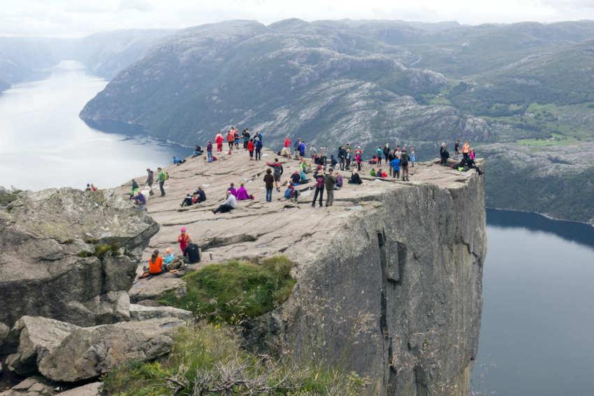 Google Maps по ошибке отправил сотни туристов в норвежскую деревню
