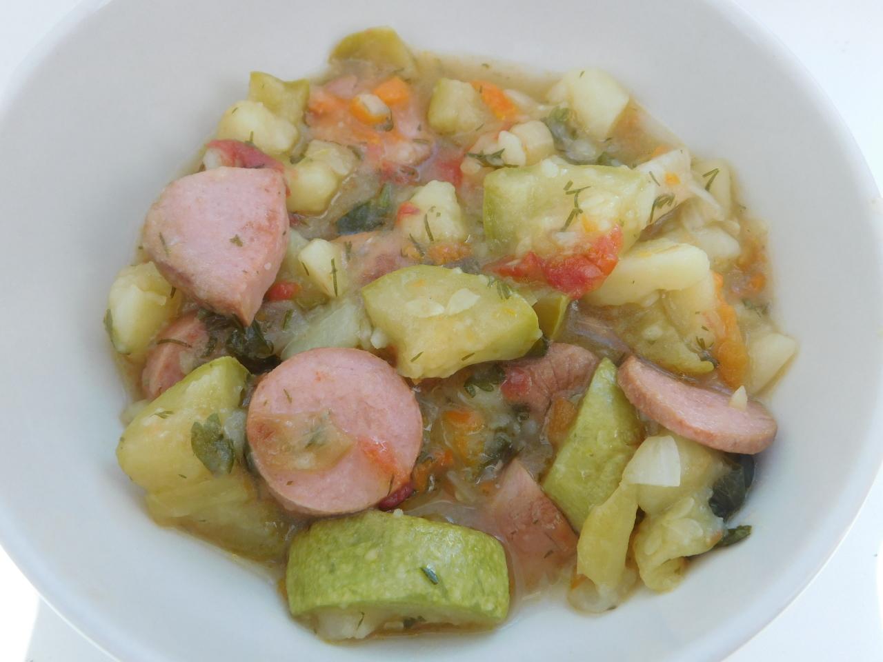 Овощное рагу с сосисками за полчаса