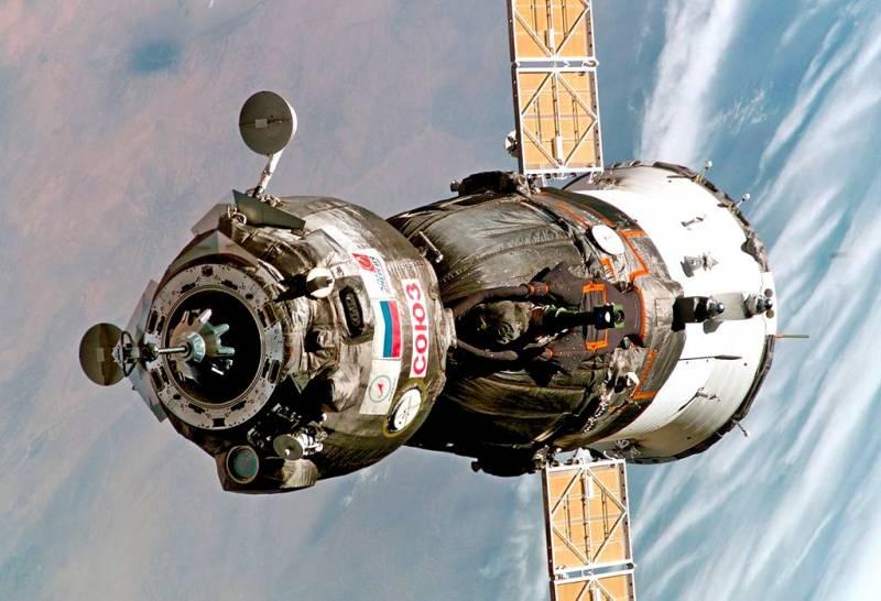 Россия переделает «Союз» для полета на Луну