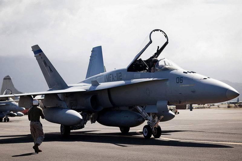 Самолёты F/A-18C/D Hornet КМП США получат РЛС с АФАР
