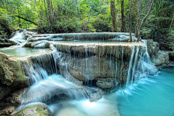 Водопад Эраван Таиланд. Каякам здесь не место. Самые причудливые и величественные водопады планеты. Фото с сайта NewPix.ru