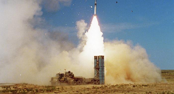 Российская С-300 поразила неопознанную цель у берегов Сирии, - СМИ