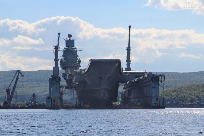 """Плавдок для """"Кузнецова"""" успеют построить лишь после окончания ремонта крейсера"""