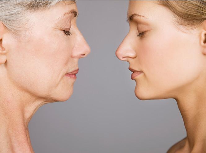 Приметы возраста: части тела, которые стареют прежде всего (и как с этим бороться)