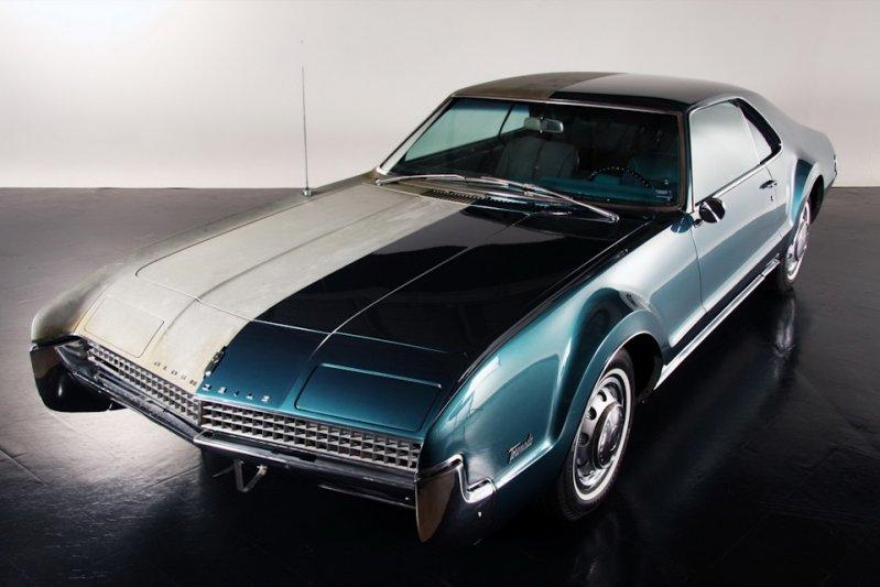 Интересная реставрация половины Oldsmobile Toronado