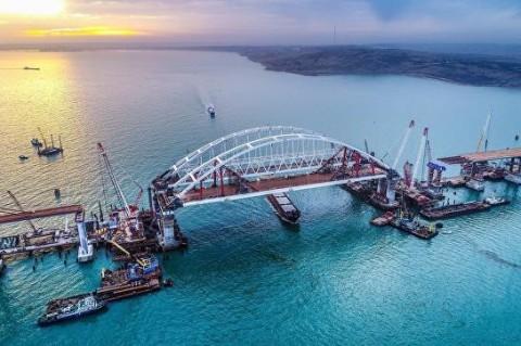 Будем атаковать Крымский мост.