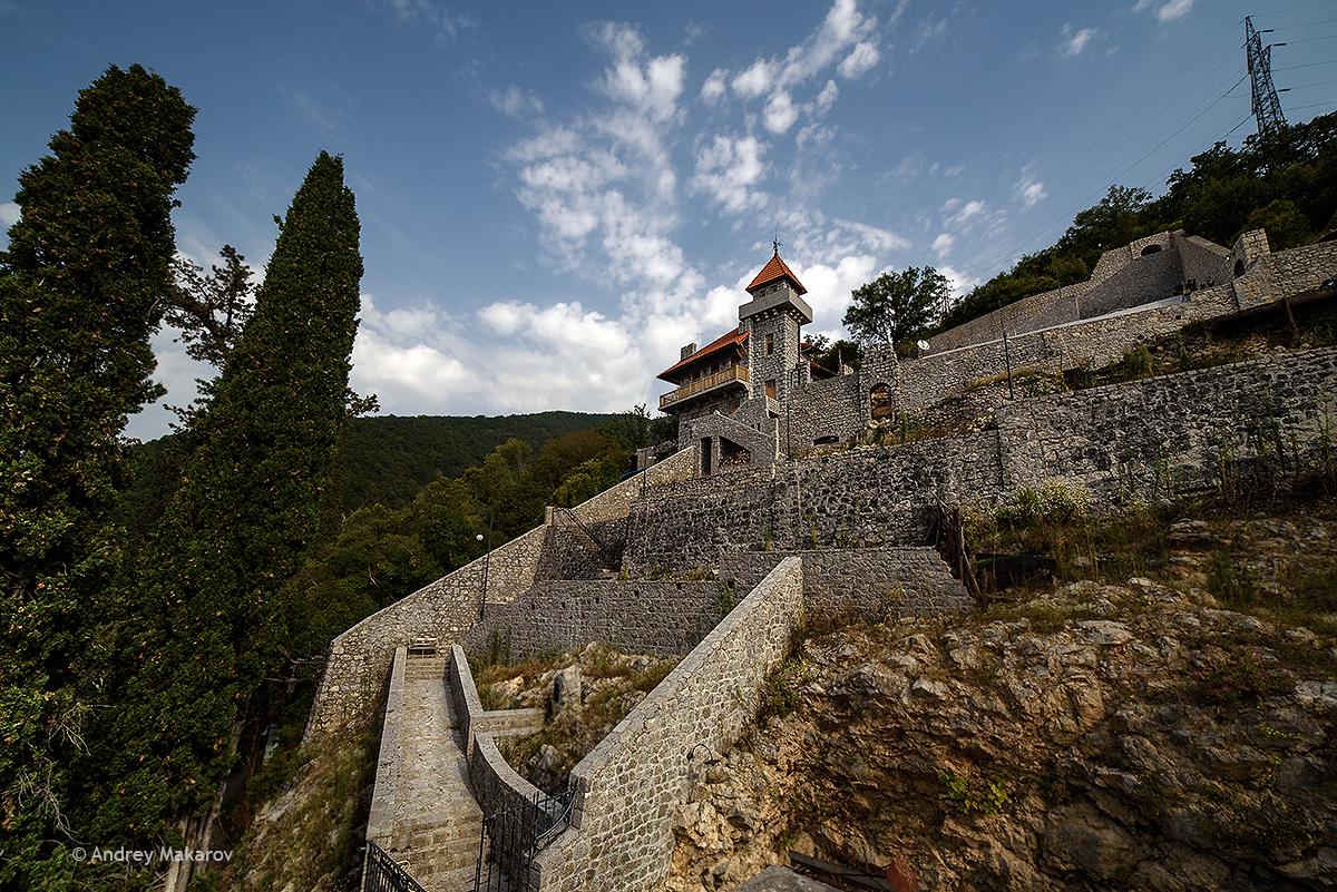 замок ольденбургских в гаграх