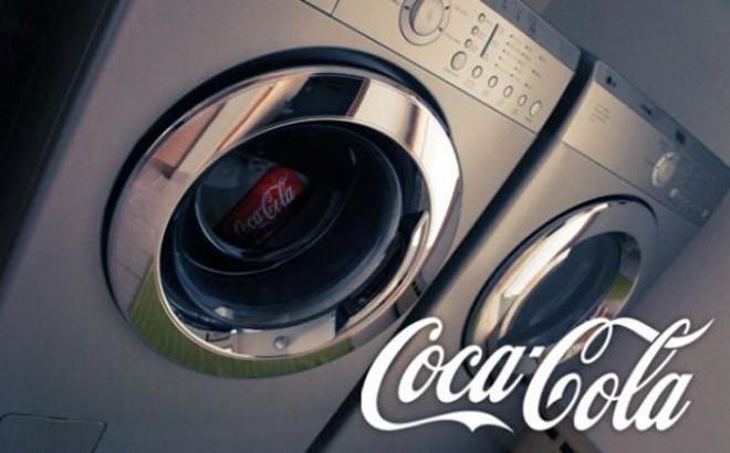 У кока-колы, оказывается, кроме главной функции, есть ещё одна – помощник домохозяйки