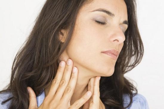 Народные средства против першения в горле