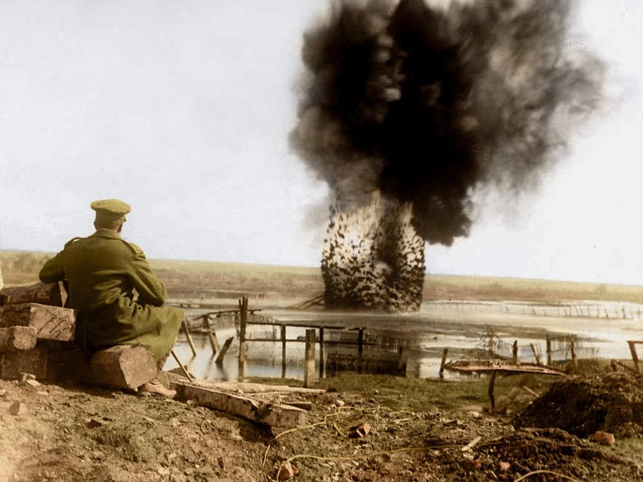 Управляемый взрыв на реке Сомма архивное фото, колоризация, колоризация фотографий, колоризированные снимки, первая мировая, первая мировая война, фото войны