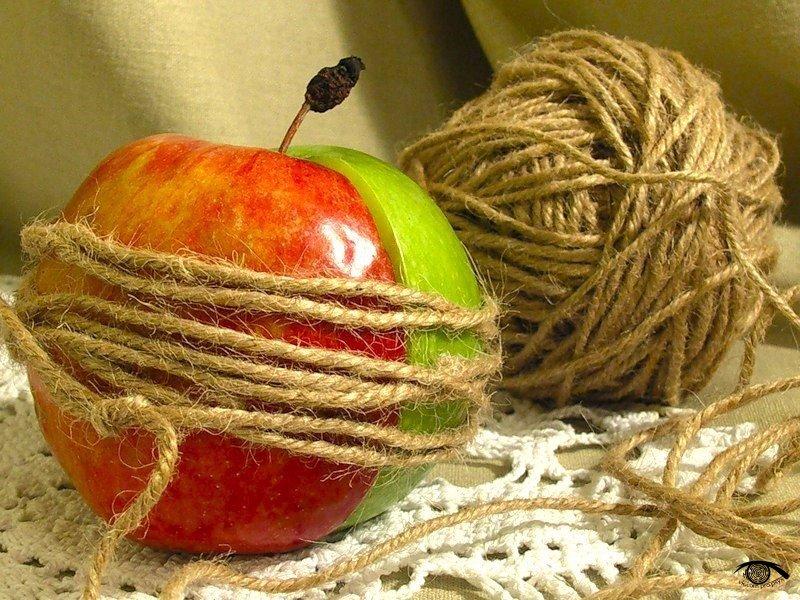 О двух половинках и яблоке