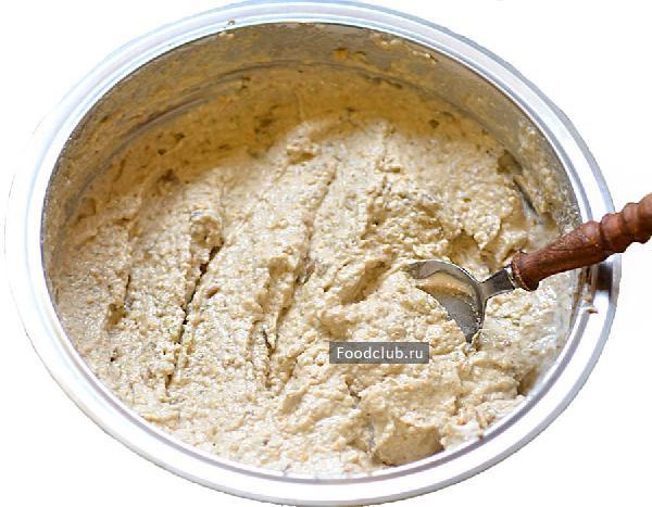 Чесночно-ореховый салат с баклажанами и перцем (этап 4)
