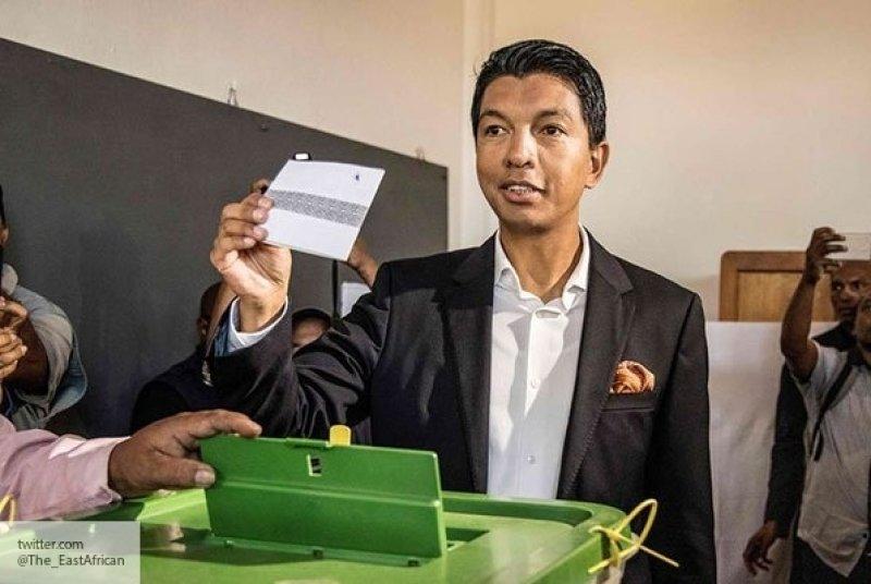 Выборы на Мадагаскаре: два п…