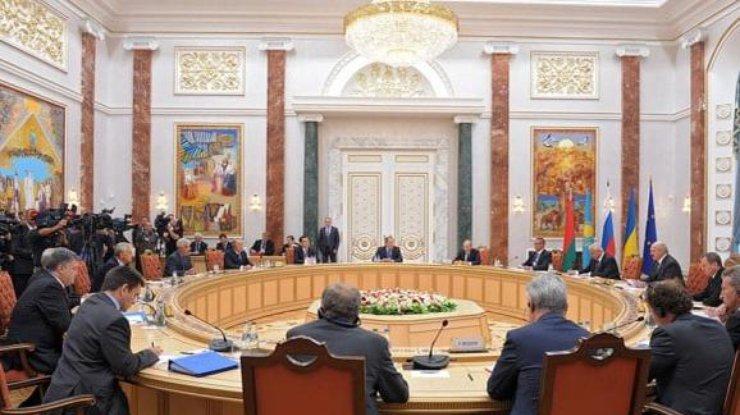 Хунта готова признать Донбасс?! Щось у лиси сдохло