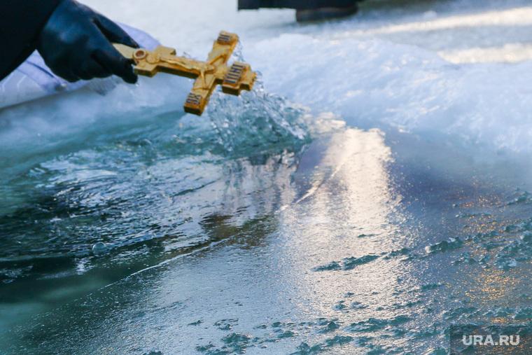 РПЦ освятит воду во всех океанах планеты