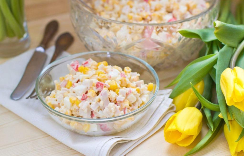 Что можно приготовить из риса и крабовых палочек: рецепты