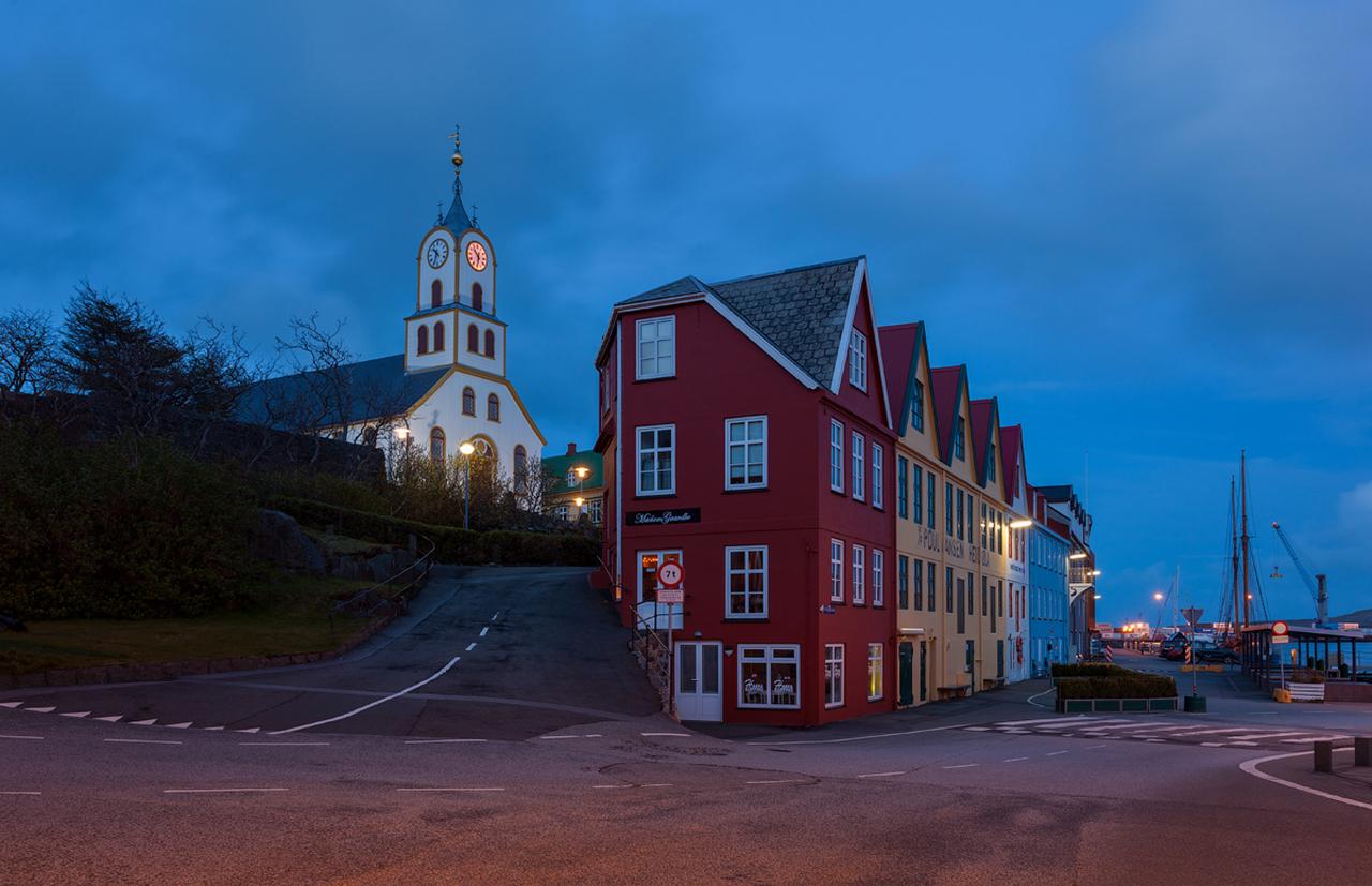 Фото достопримечательностей Стран Скандинавии: Столицу Фарерских островов город Торсхавн местные жители называют Торшавном.