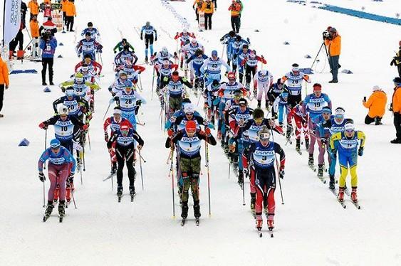 Российские лыжники устроили шоу во время финиша скиатлона на молодёжном ЧМ в США