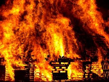 Взрыв боеприпасов прогремел на военном складе в Харьковской области