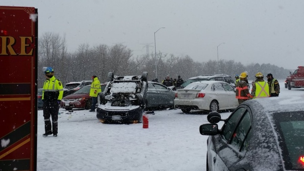 В Канаде произошла крупная аварии с участием более 100 транспортных средств